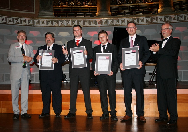 Walter-Masing-Preisverleihung am 14.06.2012 in Wiesbaden (von links):  Prof. Günter Hertel, Vorsitzender des Preiskuratoriums, Dr. Mark Spingler, Dr. Swen Günther,  Kevin Perseis, Dr. Helmut Lieb, Dr. Jürgen Varwig, DGQ-Präsident
